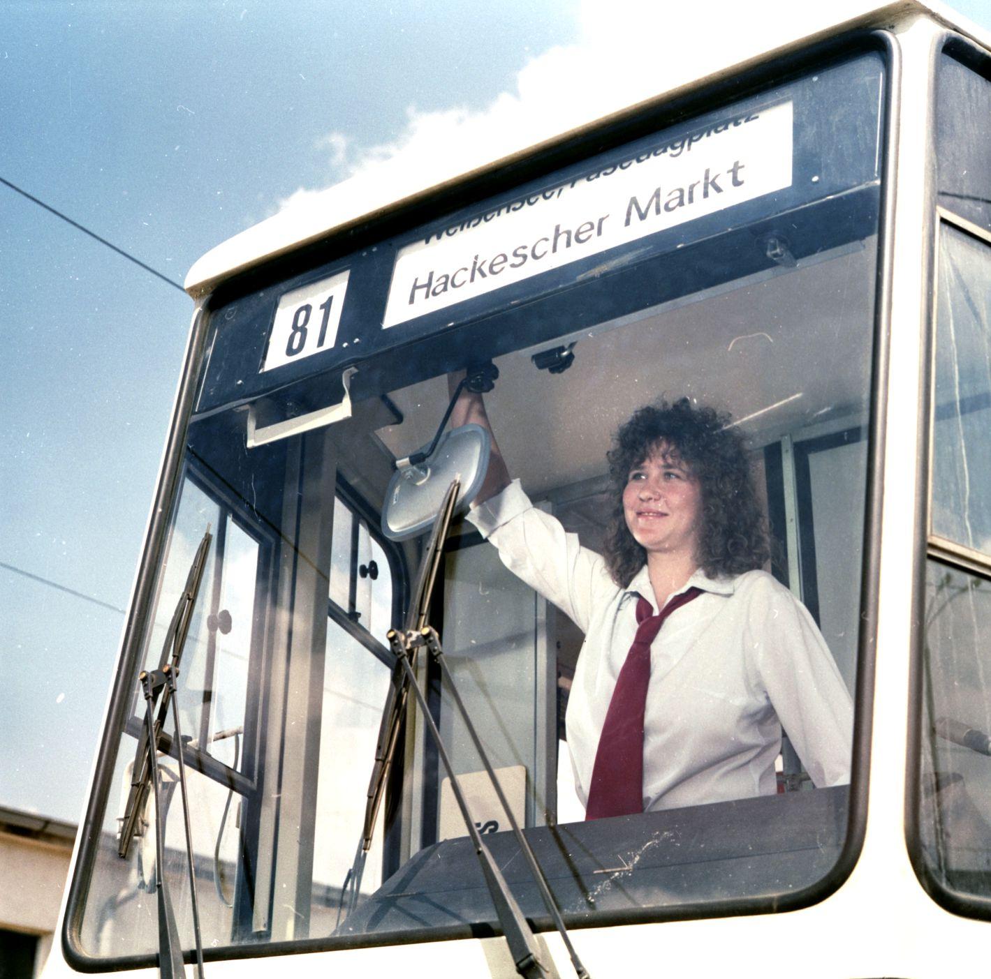 Auf Linie (fiktiver): Johanna (Ute Lubosch)