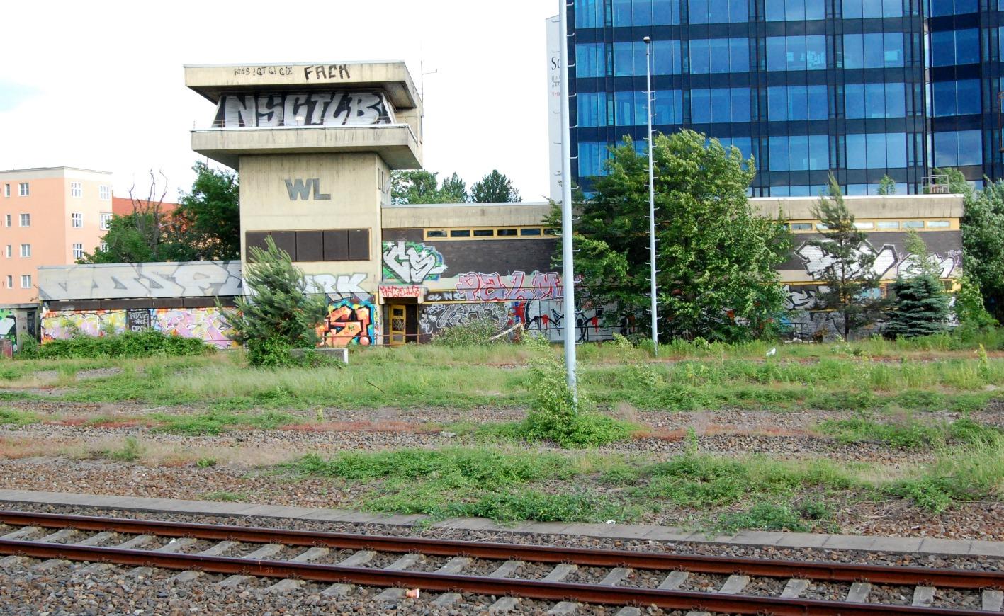 Gesehen vom Perron des S-Bahnhofs Innsbrucker Platz aus